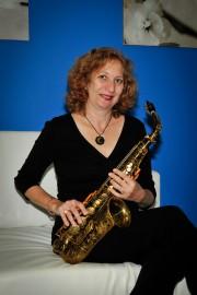 Hana Dolgin The Sax Gal