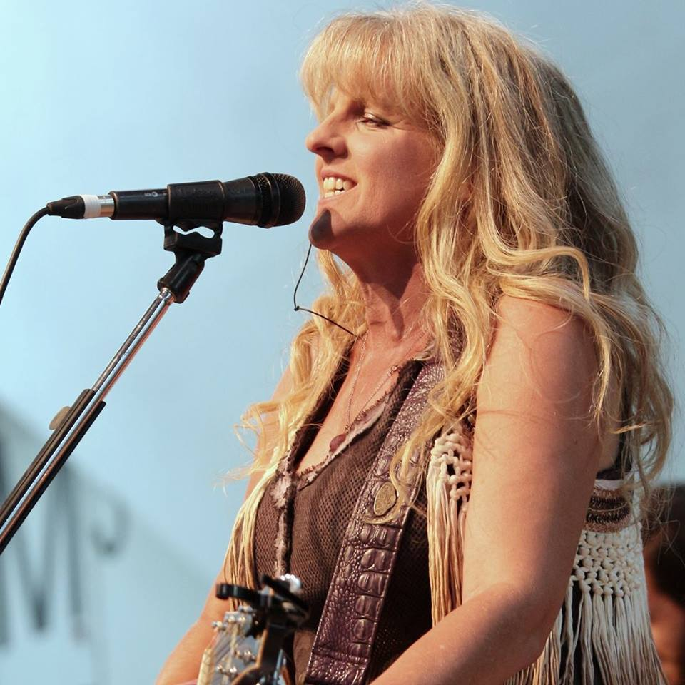 Liane Edwards – Raisin' Dust