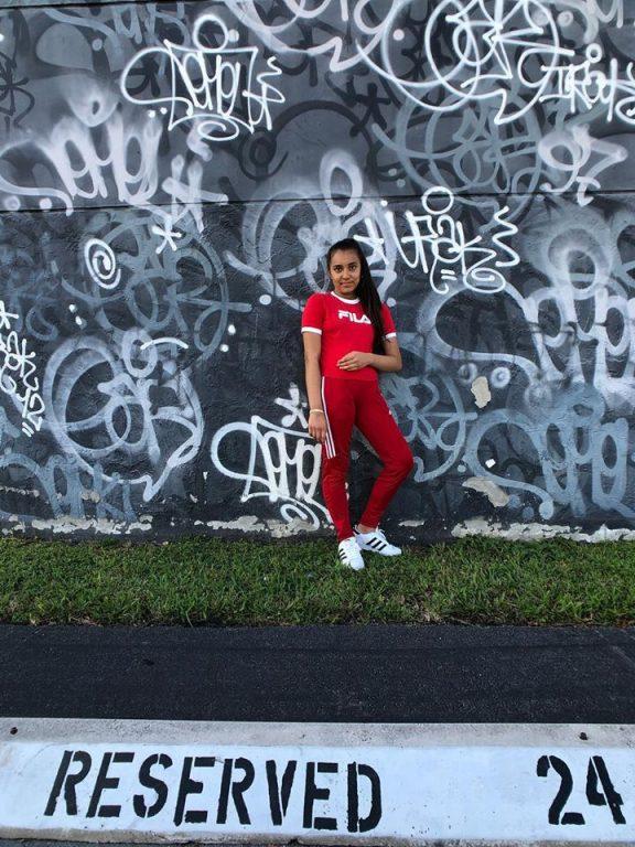 Szandra Mayer releases single for Summertime